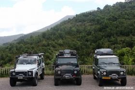 3 Land Rover Defender 110 unterwegs in den Pyrenäen