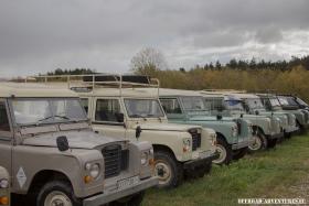 Land Rover Series soweit das Auge reicht bei Nakatanenga in Nuremberg