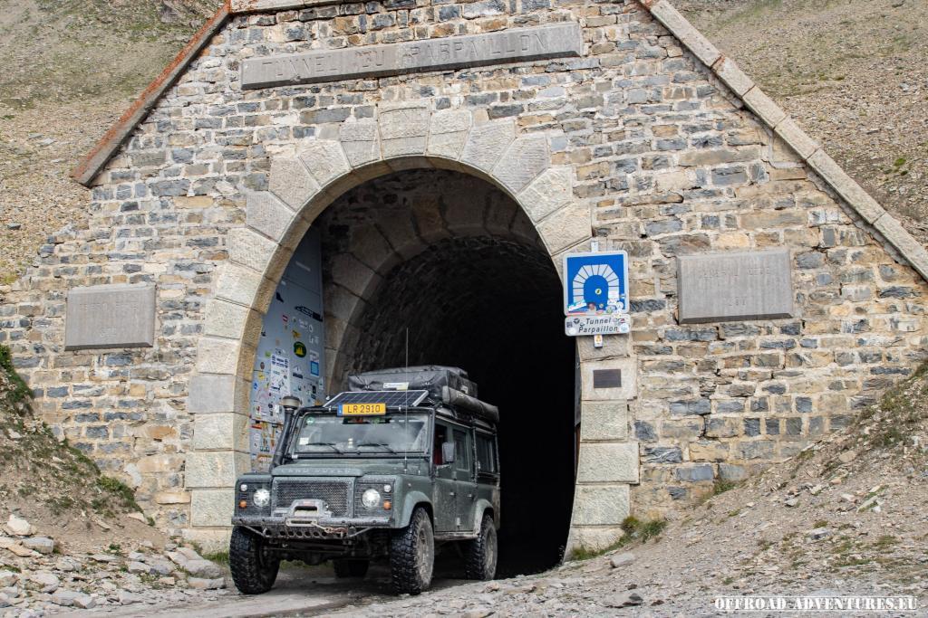 Das obligatorische Foto am Tunnel des Parpaillon